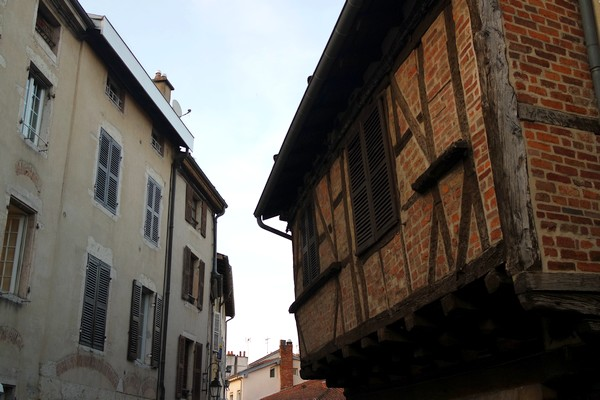 bourg-en-bresse visite nocturne théâtralisée maison colombages