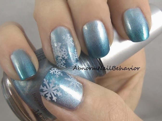 Abnorm Nail Behavior: Icy Blue Snowflake Nails