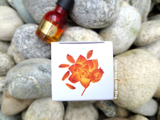 The Body Shop OILS OF LIFE Intensely Revitalising Facial Oil Review