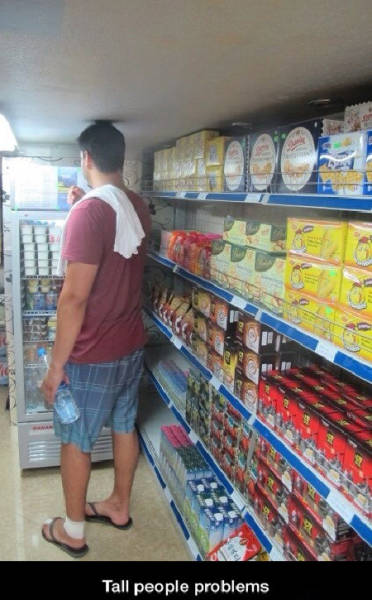 Living In This World As Tall Person Isn't Easy.(29 Pics).