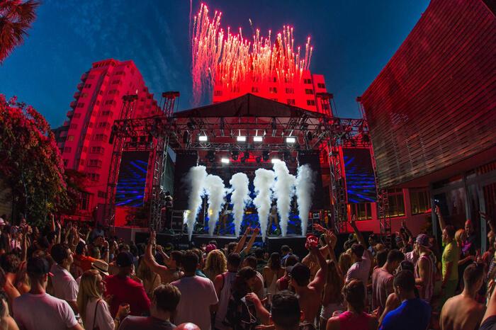 foto de um festival de musica