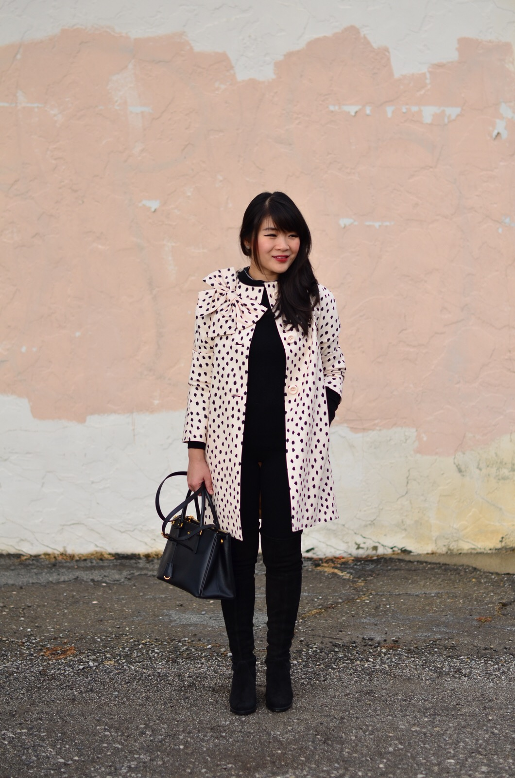 winter outfit inspiration leopard coat stuart weitzman lowland grana cashmere sweater