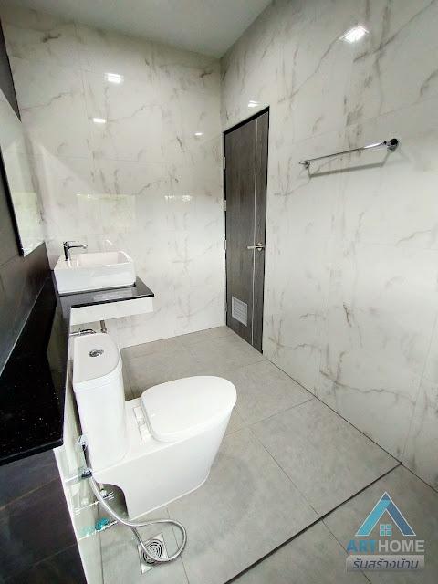 ห้องน้ำบ้านราคา 2.3 ล้านบาท