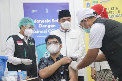 DKI Jakarta Gelar Penyuntikan Vaksin Covid-19 Dosis Kedua