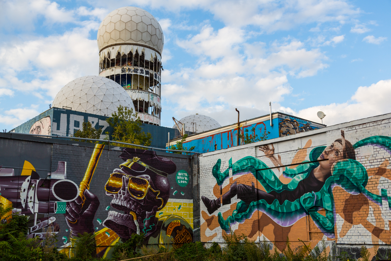 teufelsberg artworks heavenly creations on devil s mountain abandoned berlin. Black Bedroom Furniture Sets. Home Design Ideas