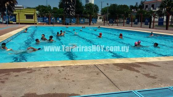 Tararirashoy horarios de piscina para enero y febrero de 2017 for Horario piscina alaquas