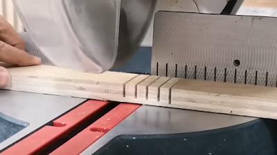 تشريح لوح من خشب الكونتر على مسافات متساوية من 0.5 سم : 1 سم