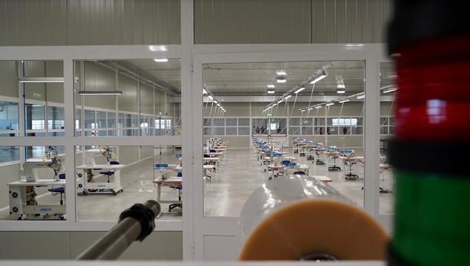 La prima fabbrica pubblica di mascherine è in Puglia