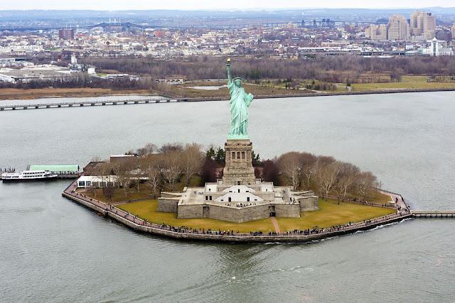 [Viajando na História] O mês de Outubro na História - Inauguração da Estátua da Liberdade