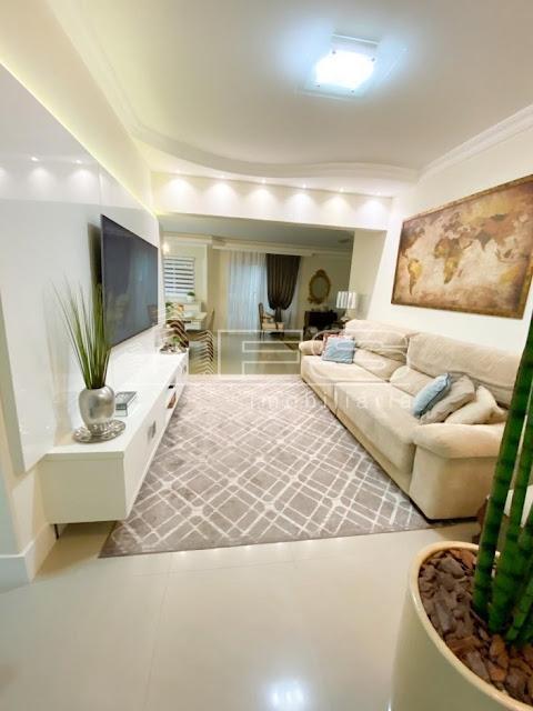 Apartamento diferenciado, Mobiliado pronto para morar, Quadra mar - ITAPEMA SC