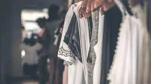 الثوب الواسع في المنام لابن سيرين