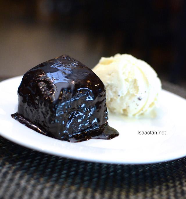Moist Chocolate Cake - RM15