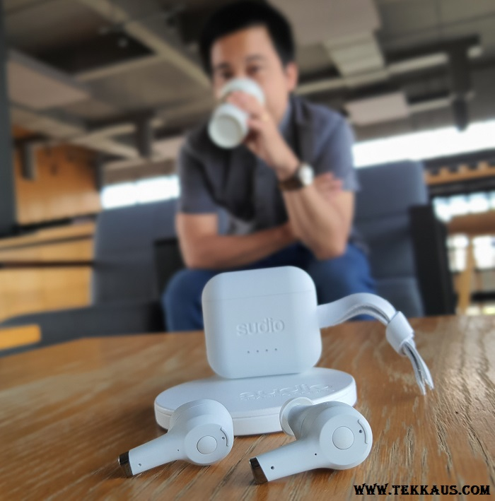 Buy Sudio Ett and Get Sudio Ladd+ Wireless Charger For FREE