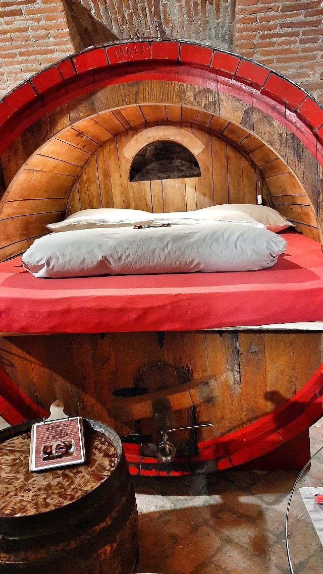 cantina al silter dormire in una botte