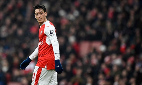 Arsenal mua Mesut Ozil từ Real Madrid với giá 50 triệu Euro