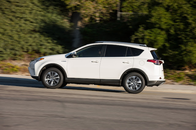 Side view of 2016 Toyota RAV4 Hybrid XLE
