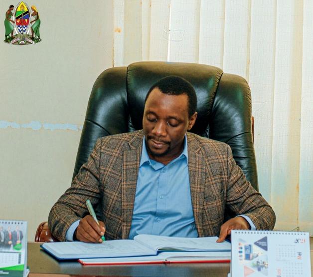 RC Kafulila Apiga marufuku makampuni yaliyohujumu wakulima wa pamba Simiyu