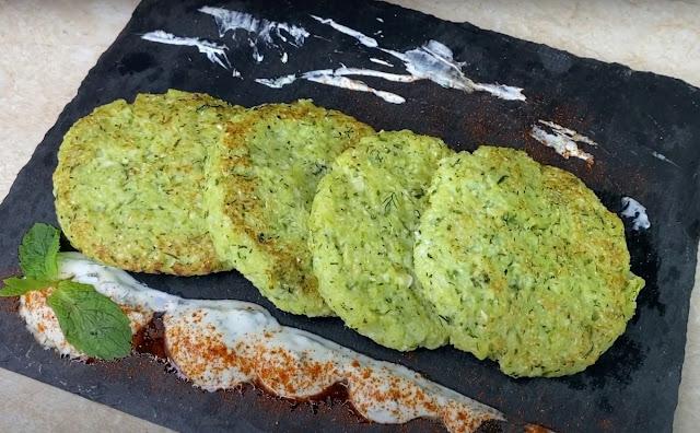 Рецепт приготування биточків з цвітної капусти — це приголомшлива насолода