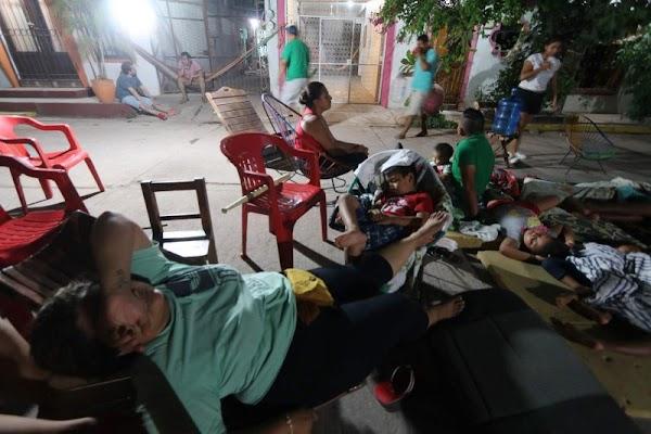 Venden garrafones de agua en más de 100 pesos en Juchitán.