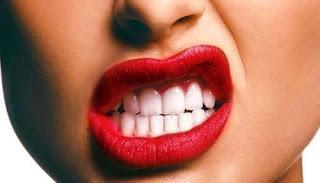 Astuce pour blanchir les dents avec du lait de magnésie