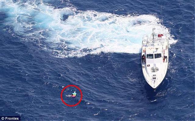 Διάσωση Ρωσίδας που έμεινε 20 ώρες σε θαλάσσιο στρώμα ανοιχτά της Κρήτης