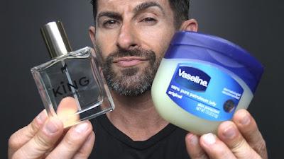 Manfaat Vaseline Repairing Jelly untuk wangi parfum tahan lebih lama.