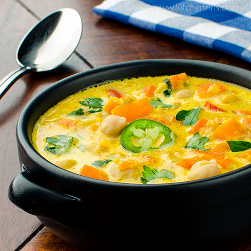 Creamy Curried Carrot and Chickpea Soup