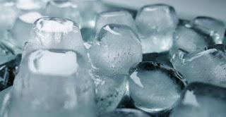 manfaat es batu untuk kesehatan kulit dan jerawat