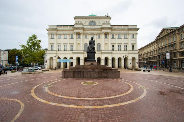 Monumento a Niccolò Copernico-Varsavia