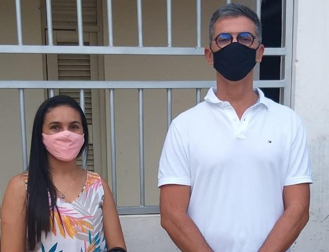 Vereadora de Grossos recebe visita de deputado estadual e solicita melhorias para o município