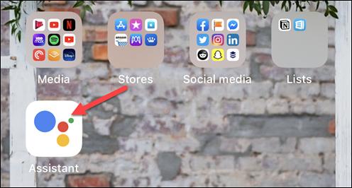 """افتح """"المساعد"""" لفتح """"مساعد Google"""" على iPhone أو iPad"""