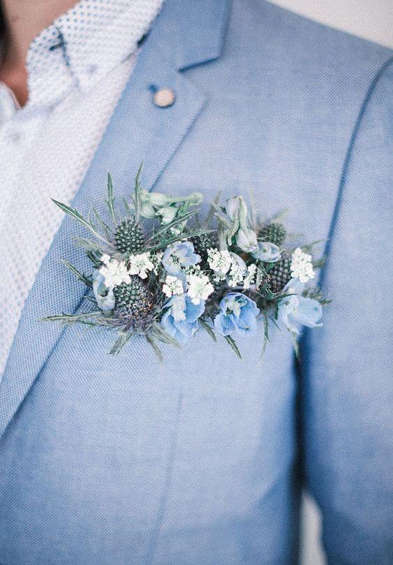 Alternativa al pañuelo para decorar el bolsillo del traje con flores