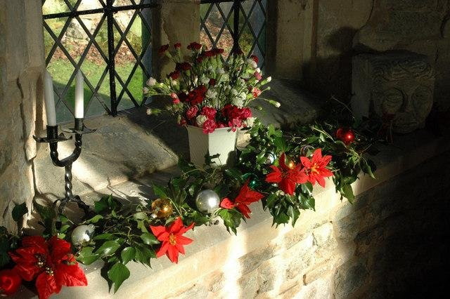 Untaian Bunga Saat Natal