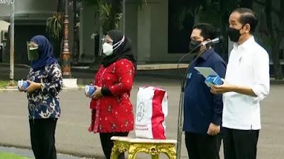 Jokowi Bagikan Paket Obat Gratis Bagi Pasien Covid19 Yang Isoman