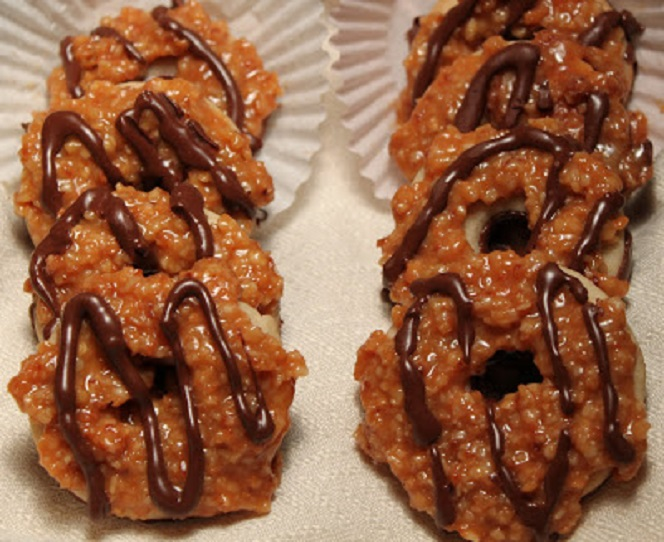 this is how to make the famous samoas cookie and a knockoff of the Girl Scouts brand of cookie recipe