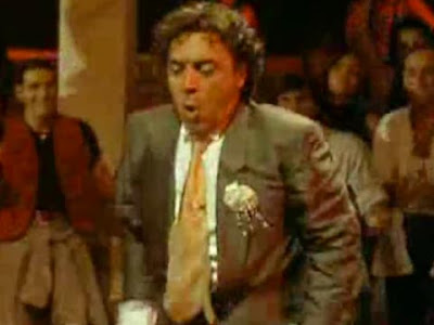 Nino Frassica ancora in discoteca nel film ''Miracolo italiano''