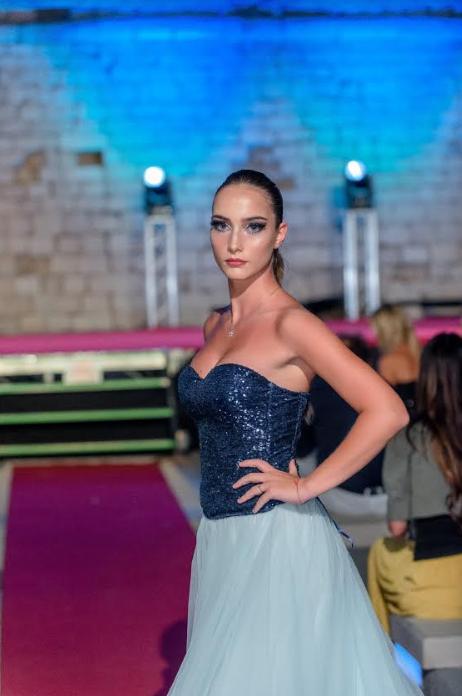 Calendario 2020 Modelle.Le Tendenze Beauty Nell Hair Fashion Show A Giovinazzo