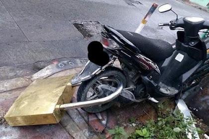 Hindari Pencurian, Sepeda Motor Ini Dipasangi Gembok Raksasa, Anda Mau Coba?