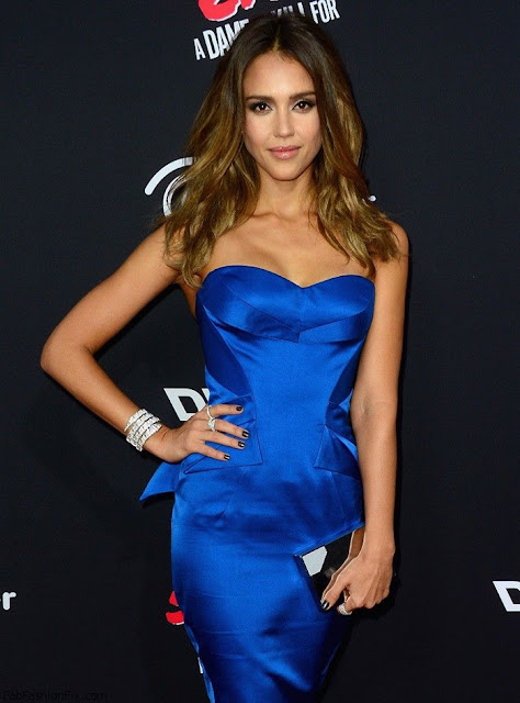 Jessica Alba In Zac Posen Blue Strapless Dress