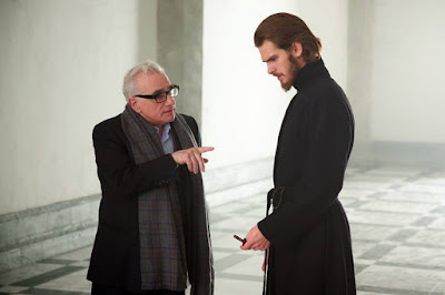Silence Martin Scorsese and Andrew Garfield Set Photo (24)