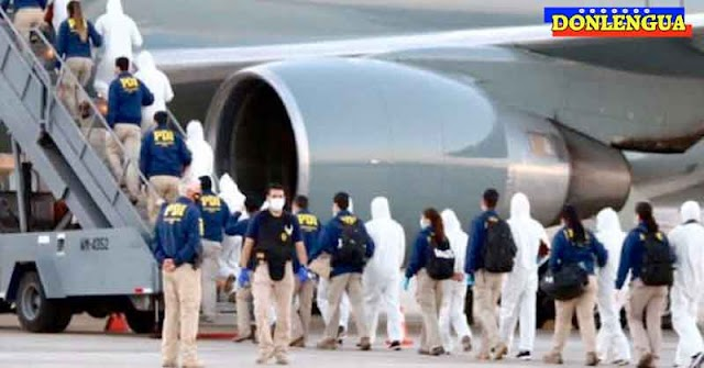 100 migrantes venezolanos ilegales fueron deportados desde Chile con trajes especiales