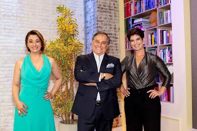 Mariana Godoy recebe Catia Fonseca e Ronnie Von na estreia do programa. Crédito: Kelly Fuzaro/Band