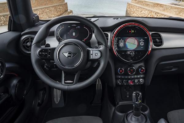 MINI John Cooper Works Hatch 3 Portas 2022 chega ao Brasil - preço R$ 269.990