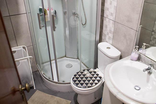 Limpeza do banheiro com bicarbonato e vinagre