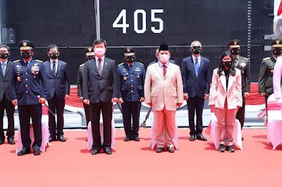 Panglima TNI Hadiri Serah Terima Kapal Selam KRI Alugoro-405