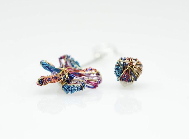 Contemporary jewelry, Artsy earrings