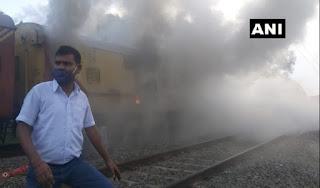 केरल में मालाबार एक्सप्रेस के डिब्बे में लगी आग, कोई हताहत नहीं  | #NayaSaberaNetwork