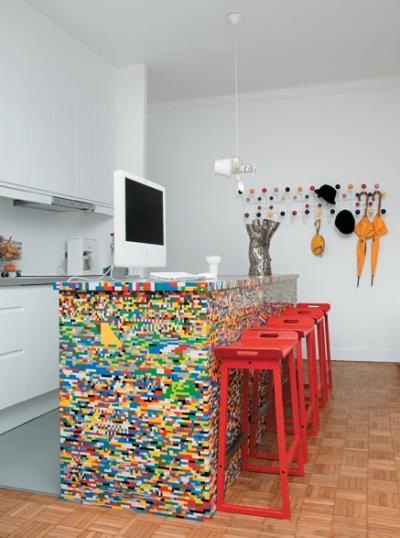 23. Meja dapur dari rangkaian lego