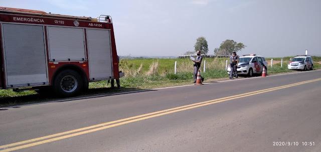 Motorista perde controle da direção e carro cai em ribanceira em Presidente Prudente
