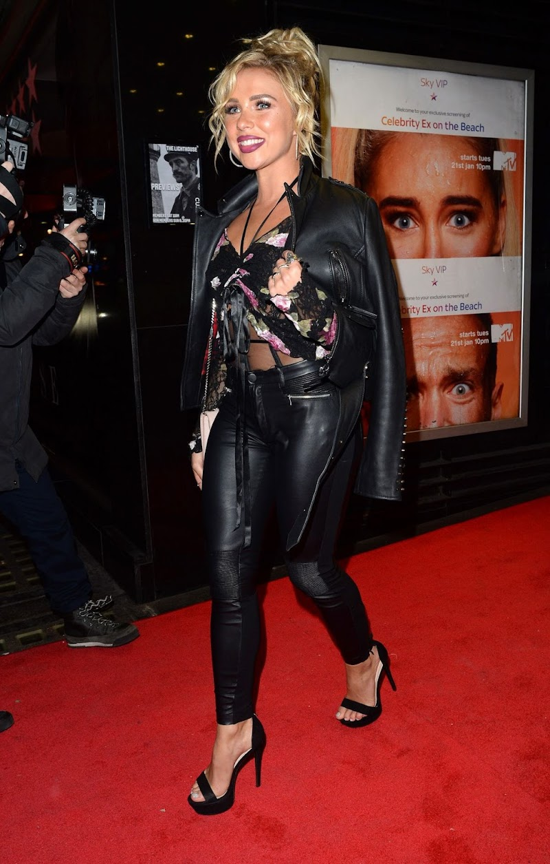 Gabby Allen Clicks at Celebrity Ex on the Beach Celebrate Launch of Their New Show in London  21 Jan-2020